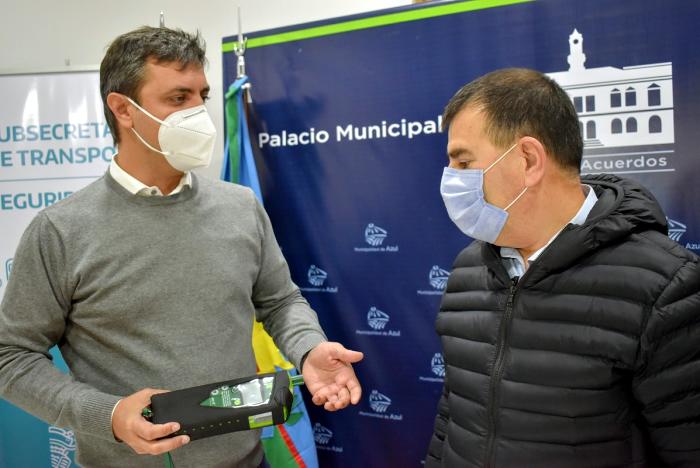 Supply entregó elementos de seguridad vial en Azul