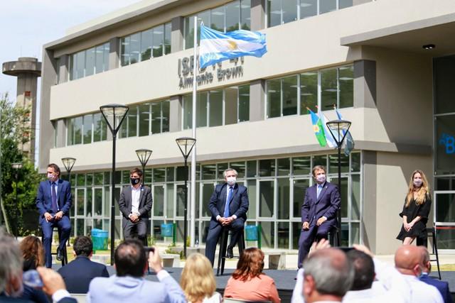 Fernández y Kicillof inauguraron el nuevo edificio de un instituto de formación docente