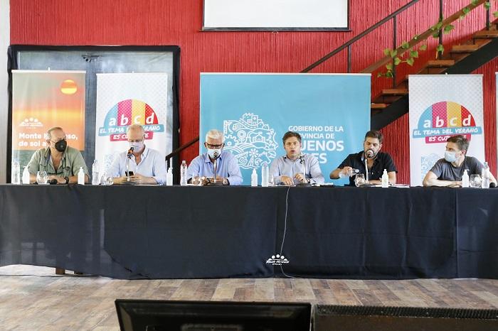Kicillof en reunión con intendentes en Monte Hermoso