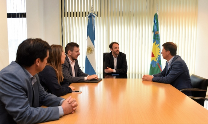 El ministro de Hacienda y Finanzas, Pablo López, se reunió con el intendente de Villarino