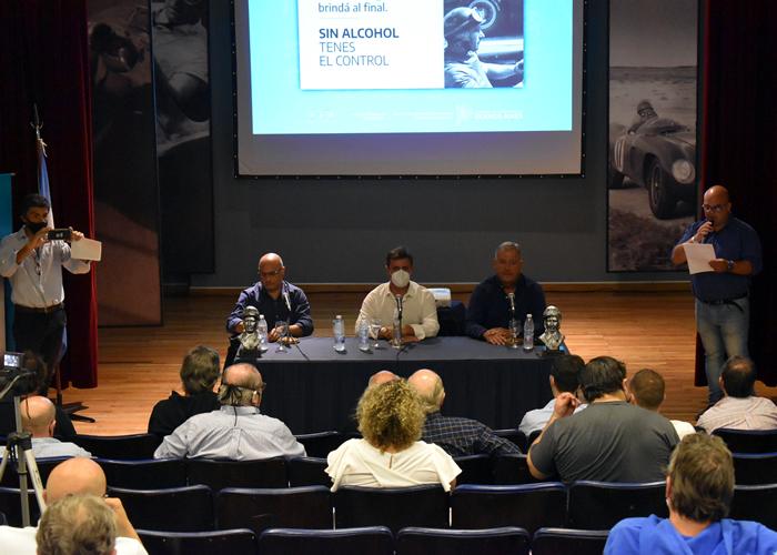 Firma de convenio de seguridad vial entre Provincia y Fundación Fangio