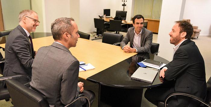 El ministro de Hacienda y Finanzas, Pablo López, se reunió con representantes del Banco Mundial y del BID