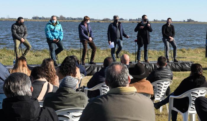Rodríguez, López, Berni, Girard y Cuattromo presentaron el Plan Bonaerense de Desarrollo Rural en Alem