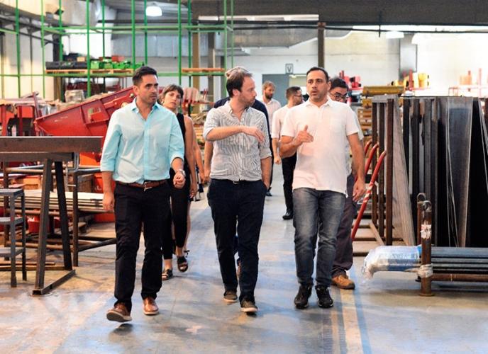 El ministro de Hacienda y Finanzas, Pablo López, se reunió con productores agropecuarios e industriales