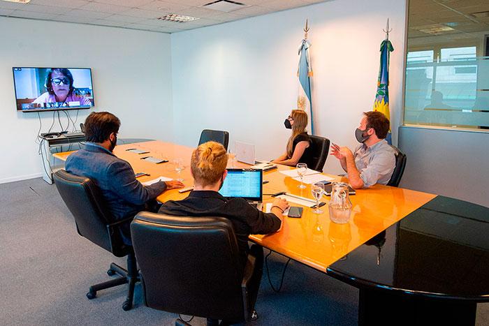 López y Vila iniciaron el diálogo con los gremios docentes