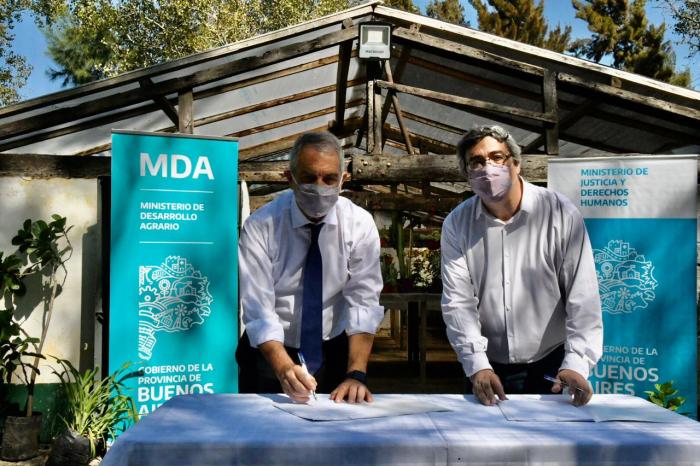 Alak y Rodríguez firmaron un convenio para fomentar reinserción laboral