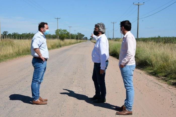 EL MINISTRO RODRÍGUEZ ANUNCIÓ LAS OBRAS DE CAMINOS RURALES PARA LOS MUNICIPIOS DE ALEM Y LINCOLN