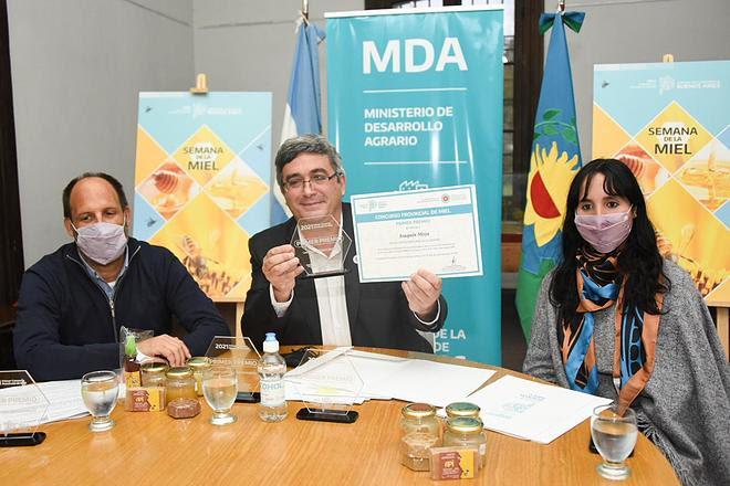 Se entregaron los Premios del Primer Concurso Provincial de Miel 2021