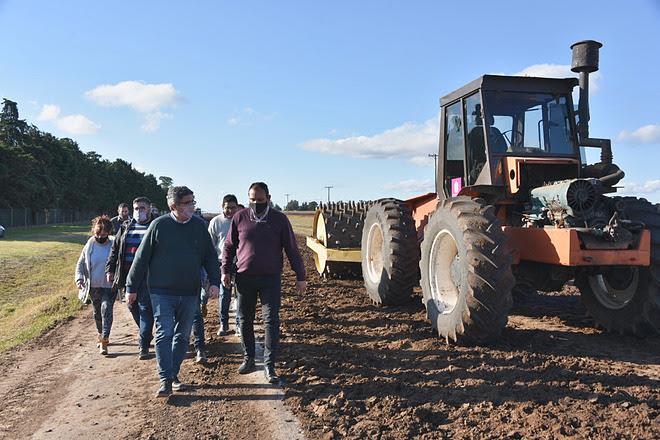 El MDA presentó avance de obra de Caminos Rurales en Carmen de Areco y Arrecifes