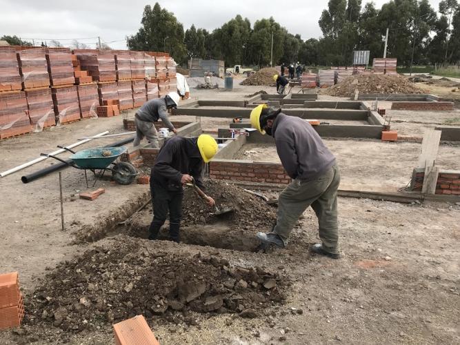 Inició la construcción de viviendas en Laprida