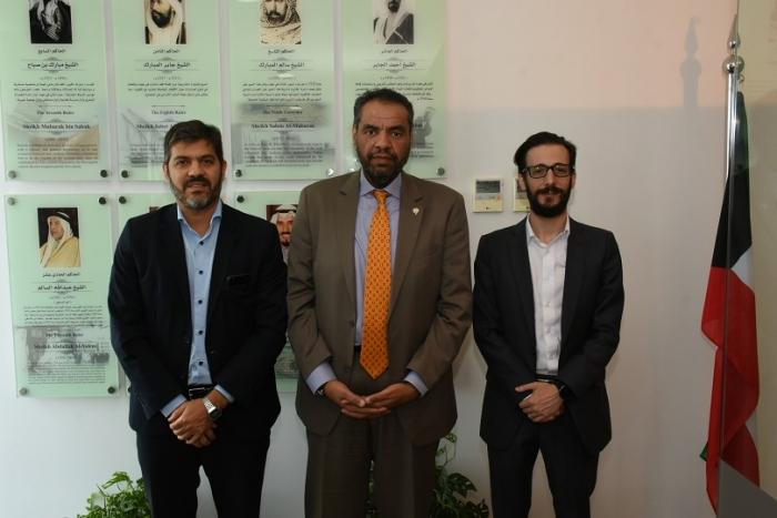 Simone y Bianco con el embajador de Kuwait