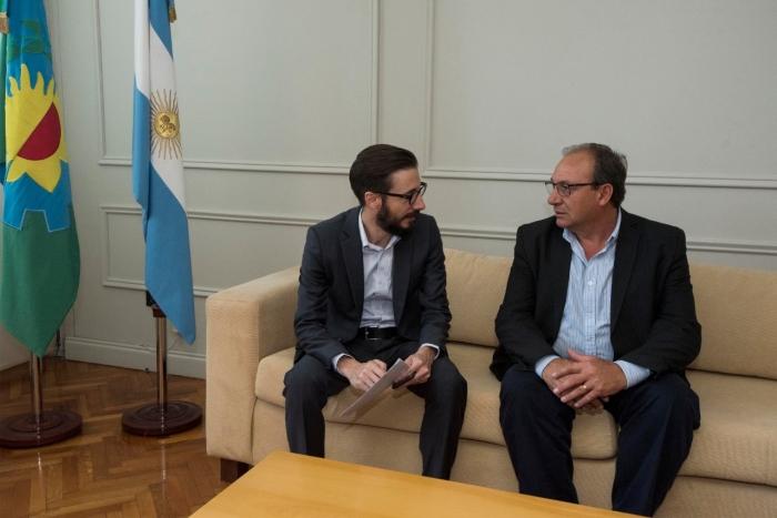Ministro Simone y Ramón Capra
