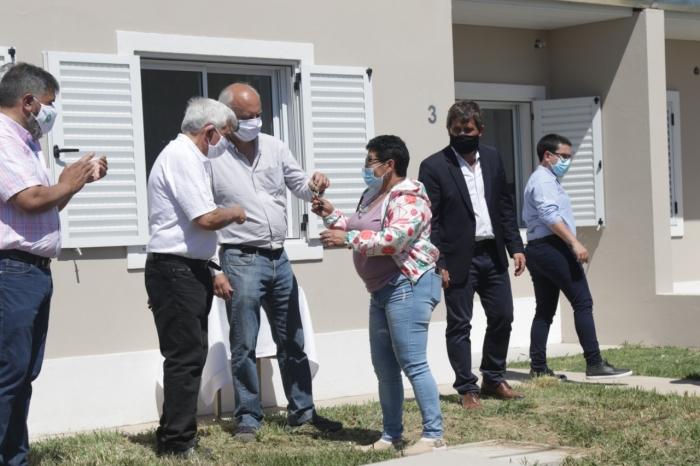 La provincia entregó 26 viviendas en Lobería