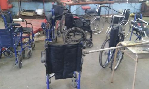 Entregamos a edificios públicos de Trenque Lauquen sillas de ruedas reparadas por internos
