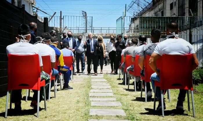 El ministro de Justicia y Derechos Humanos, Julio Alak, recorrió hoy instalaciones de la unidad penitenciaria N° 9 de La Plata,