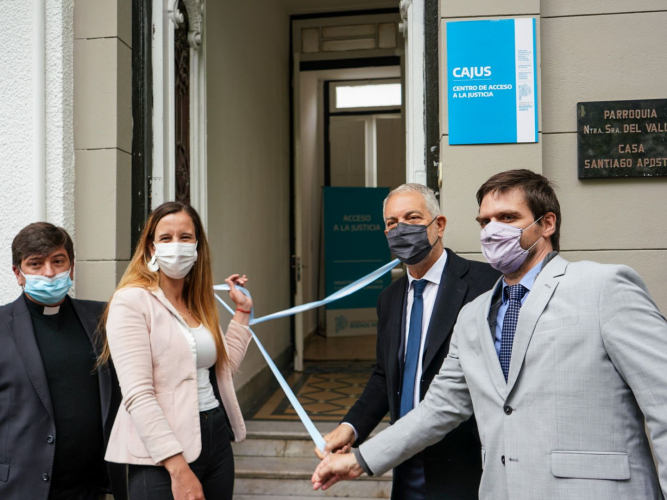 La nueva sede, ubicada en calle 60 entre 2 y 3, cuenta con un equipo interdisciplinario de abogados, trabajadores sociales, psic