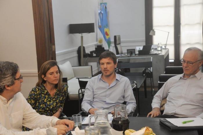 Costa se reunió con otros Ministros bonaerenses