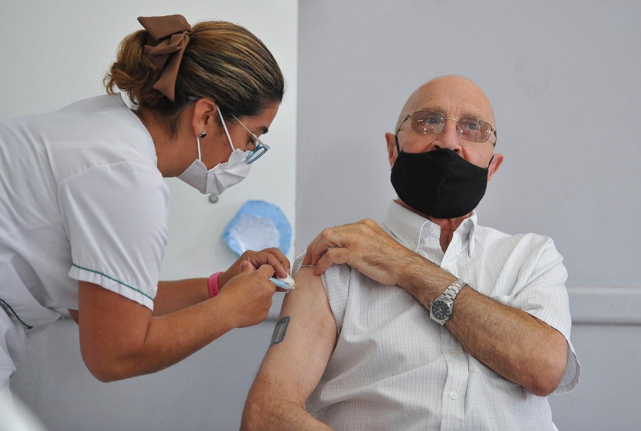 Las notificaciones de asignación de turnos de vacunación contra el  coronavirus llegarán también por WhatsApp | Provincia de Buenos Aires