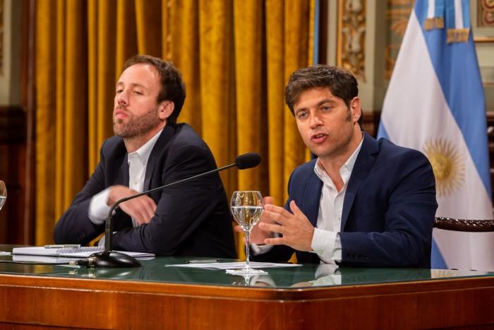 El gobernador Axel Kicillof brindó una conferencia de prensa para explicar los próximos pasos a seguir en relación con la situac