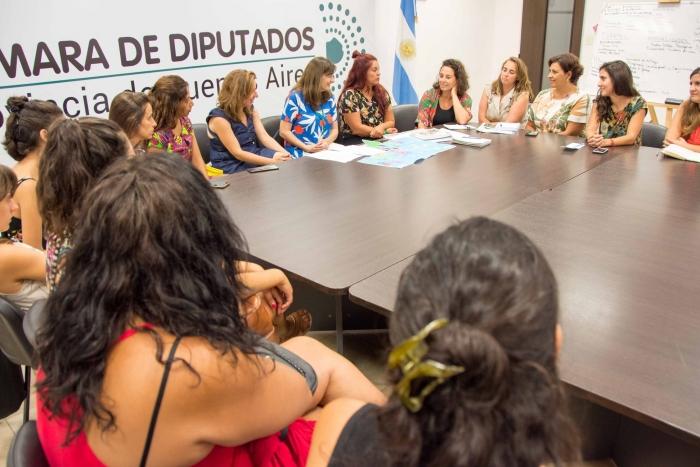 Estela Díazse reunió con las integrantes del Foro Argentino de Radios Comunitarias
