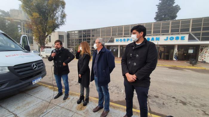 El ministro de salud bonaerense, Nicolás Kreplak, realizó este viernes una recorrida por centros de salud de localidades de la R