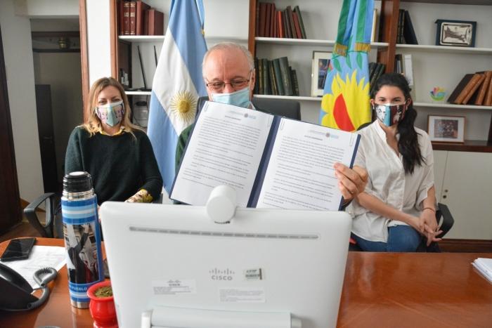 Gollan, Navarro y López participando de la videoconferencia
