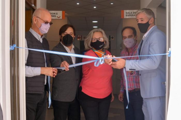 Alegría en Navarro por las nuevos servicios del hospital