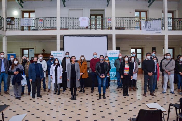 La presentación se realizó en la Escuela de Gobierno Floreal Ferrara.