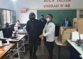 Ya son 6.300 los elementos de bioseguridad hechos en una cárcel bonaerense que fueron donados al Padre Pepe