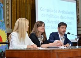 El gobernador, Axel Kicillof, junto a la vicegobernadora, Verónica Magario y la Ministra Estela Díaz durante la presentación