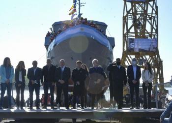 Kicillof y Taiana participaron de la botadura de una embarcación en el Astillero Río Santiago