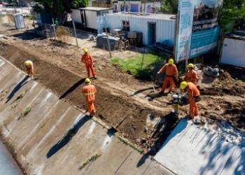 Avanza la obra de contención en el Canal José Ingenieros, en San Martín