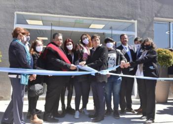 Thea participó de la inauguración de la biblioteca de la UNPaz