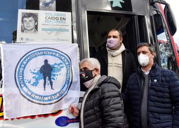 """350 unidades de transporte público de La Plata llevarán """"Rostros de Malvinas"""""""