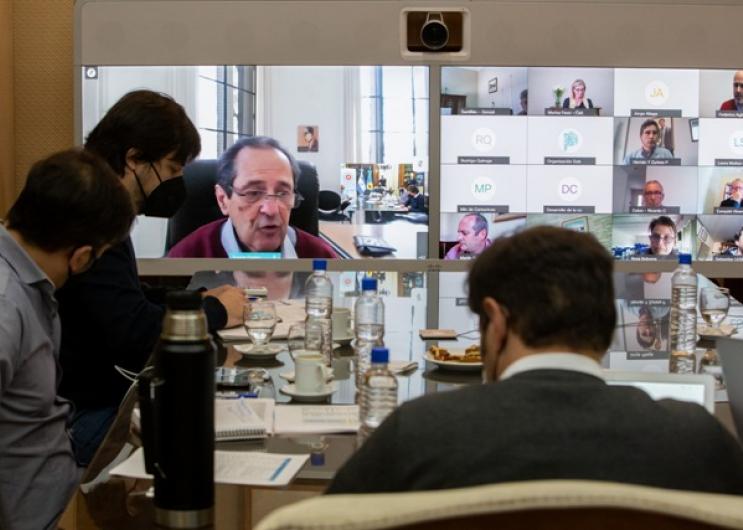 Reunión con intendentes y expertos