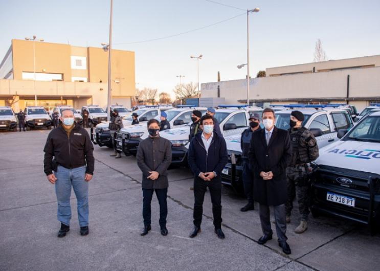 Entrega de patrulleros en La Matanza