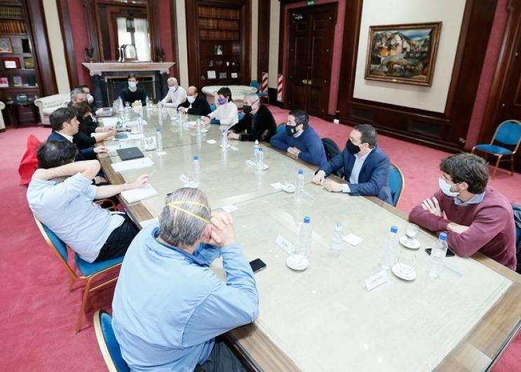 Kicillof con intendentes del conurbano por usurpaciones ilegales
