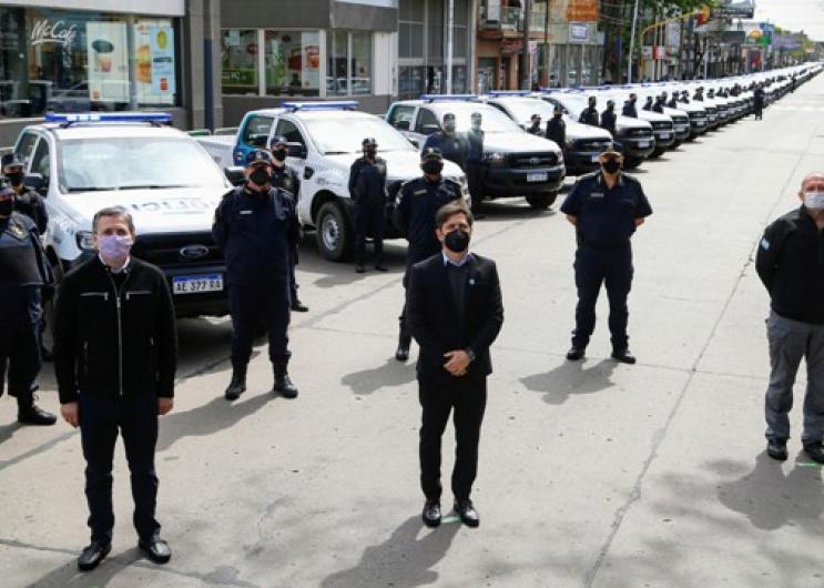 Axel Kicillof puso en funcionamiento 60 patrulleros