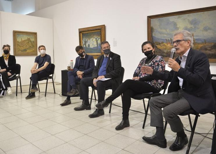 Axel Kicillof junto a ministros y representantes de la cultura