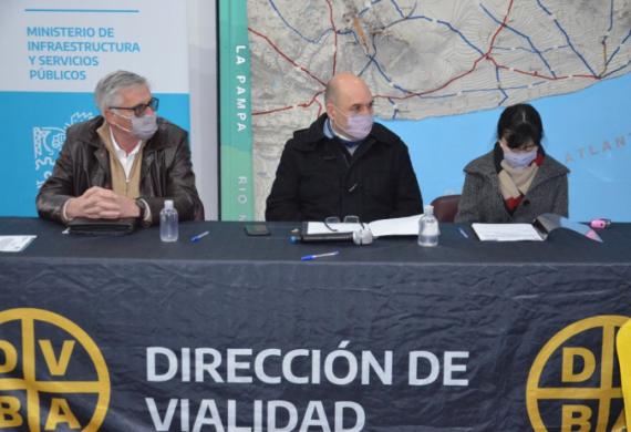 Se licitaron obras para mejorar caminos rurales por 350 millones de pesos