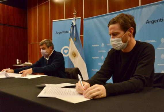 Costa y Salvarezza firmaron acuerdo de cooperación entre Nación y Provincia