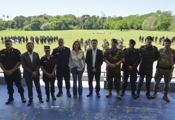 Vidal presenció hoy ejercicios de entrenamiento y se reunió con integrantes de los grupos especiales de la Policía.