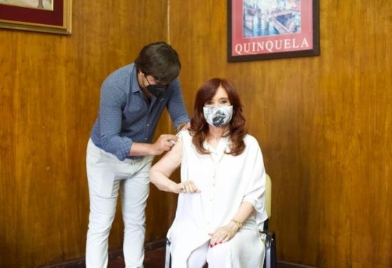 Kreplak vacunó ayer a la vicepresidenta