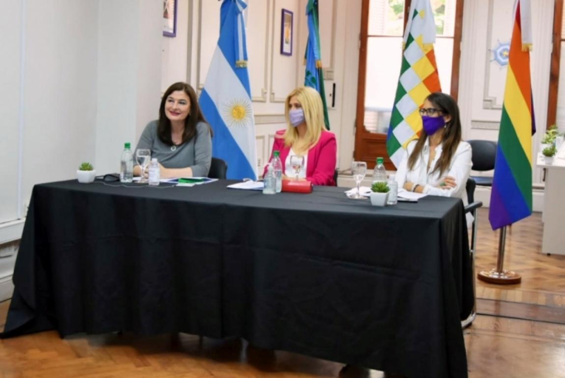 Estela Díaz presentó el Programa provincial de Políticas Integrales de Abordaje de las Violencias por Razones de Género