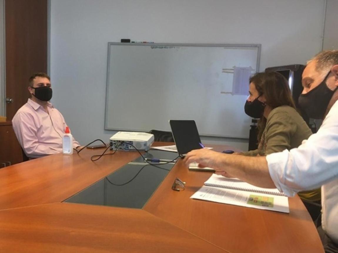 Reunión de trabajo entre representantes del COMILU y funcionarios del municipio.