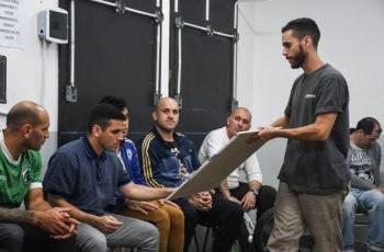 Brindamos capacitación en revestimientos texturados a un grupo de internos de la cárcel de Olmos