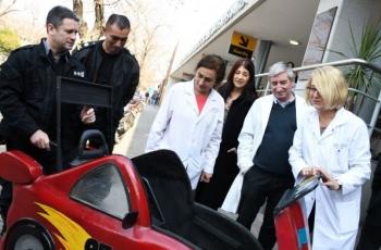 Fabricamos una silla de ruedas del Rayo McQueen para el Hospital de Niños de La Plata