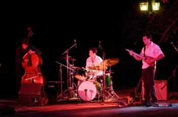 Jazz con Del Hoyo Trio