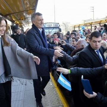 Vidal acompañó esta mañana al presidente Mauricio Macri en la inauguración del Metrobus del partido bonaerense de San Martín.